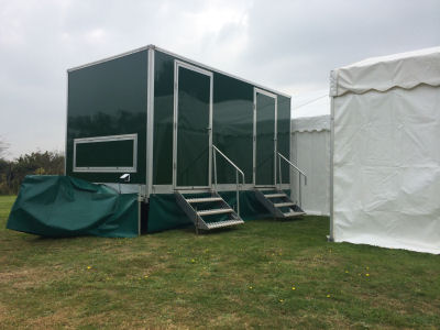 2+1 Luxury mobile toilet next to a marquee