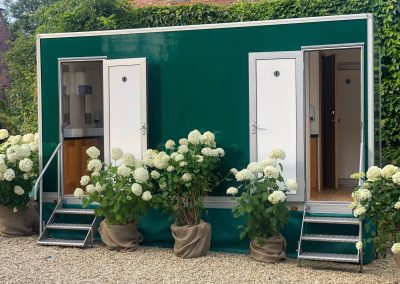 2+1 Luxury Toilet hire Surrey & Sussex